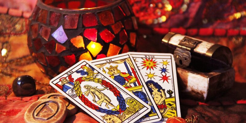 Exploring Upcoming Transits with Raph from Reydiant Reality Tarot
